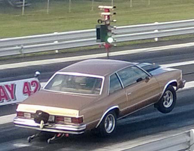Wheels up launch at Dragway 42